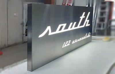 Изработка на светеща табела от инокс